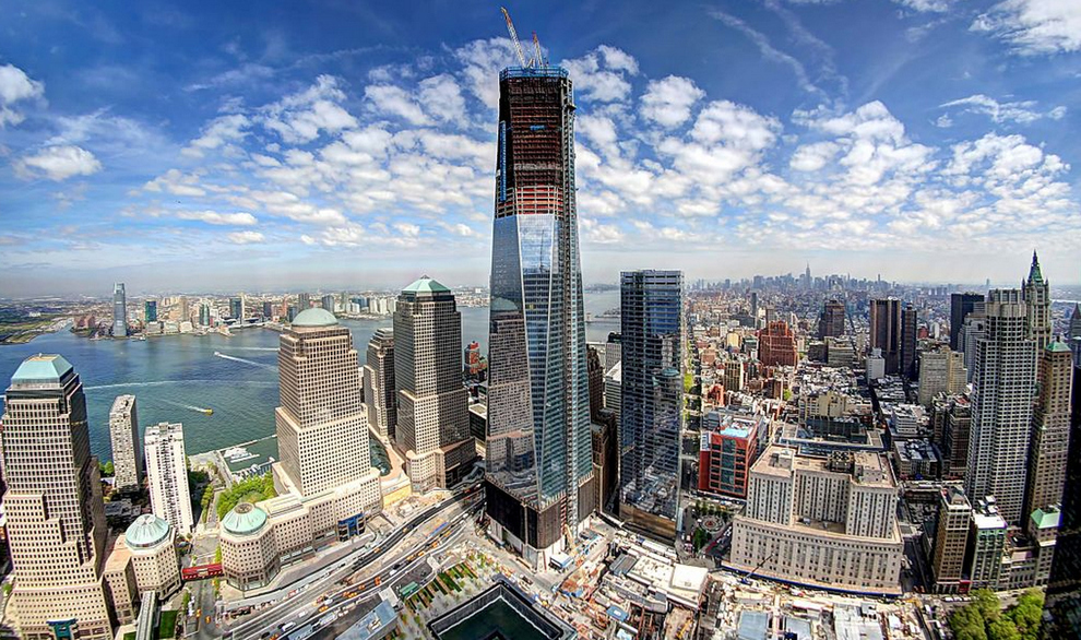 One WTC reclaiming the Manhattan Skyline